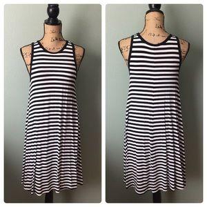 Old Navy small black white stripe trapeze dress!